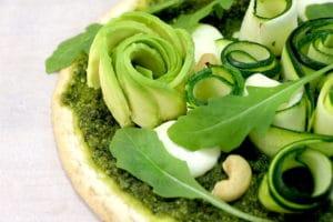 pizza légère au pesto et légumes