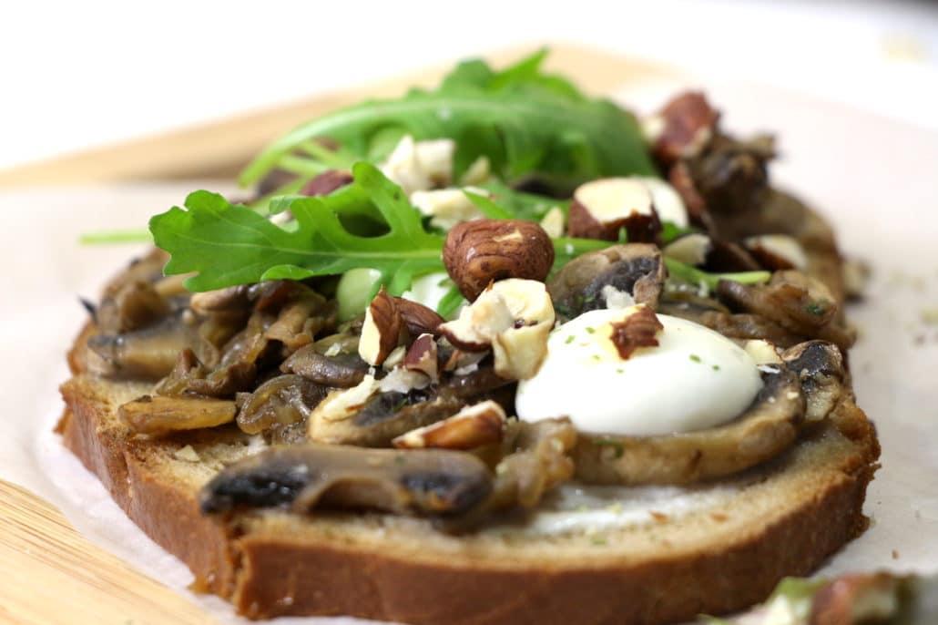 tartines aux champignons et mozzarella