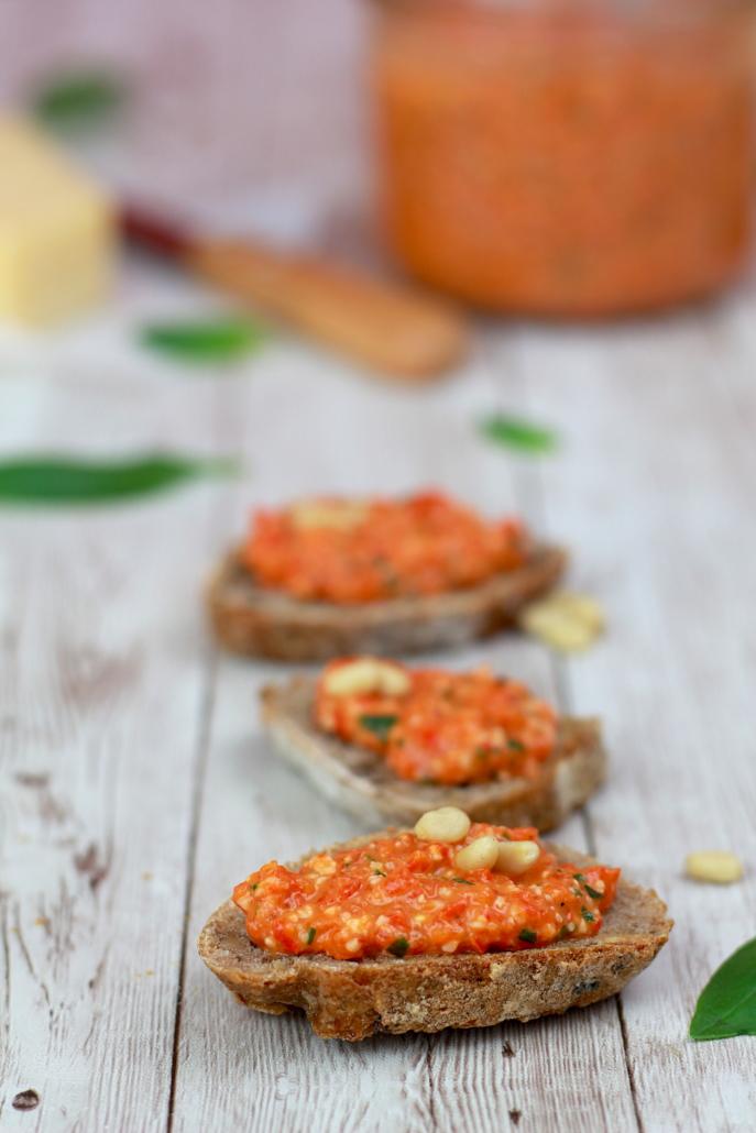 pesto de poivron rouge roti et basilic