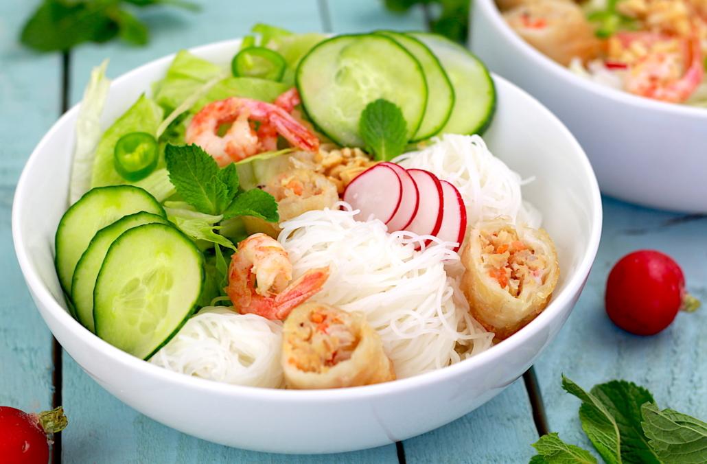 bo bun aux crevettes marinées et crudités